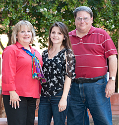 The Vallens family - Nancy, her daughter Amanda Schramling and her brother Brent.