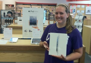 CSUN student Katelyn Fields with her iPad